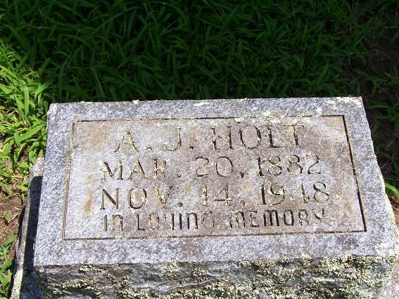 http://usgwarchives.net/ok/muskogee/cemeteries/tombstones/brusheymountcem/ajholt.jpg