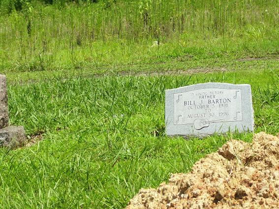 http://usgwarchives.net/ok/muskogee/cemeteries/tombstones/brusheymountcem/billbarton.jpg