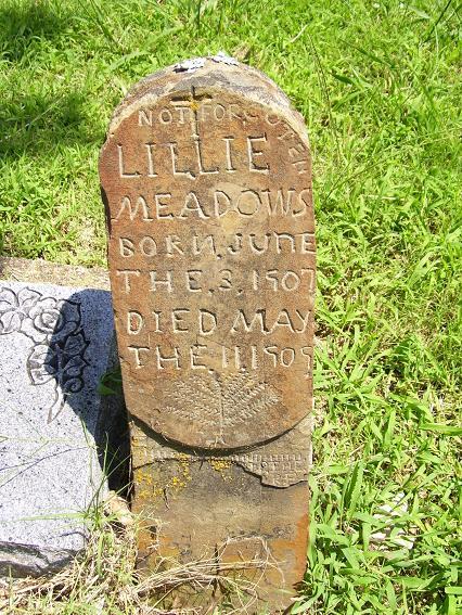http://usgwarchives.net/ok/muskogee/cemeteries/tombstones/brusheymountcem/lilliemeadows.jpg